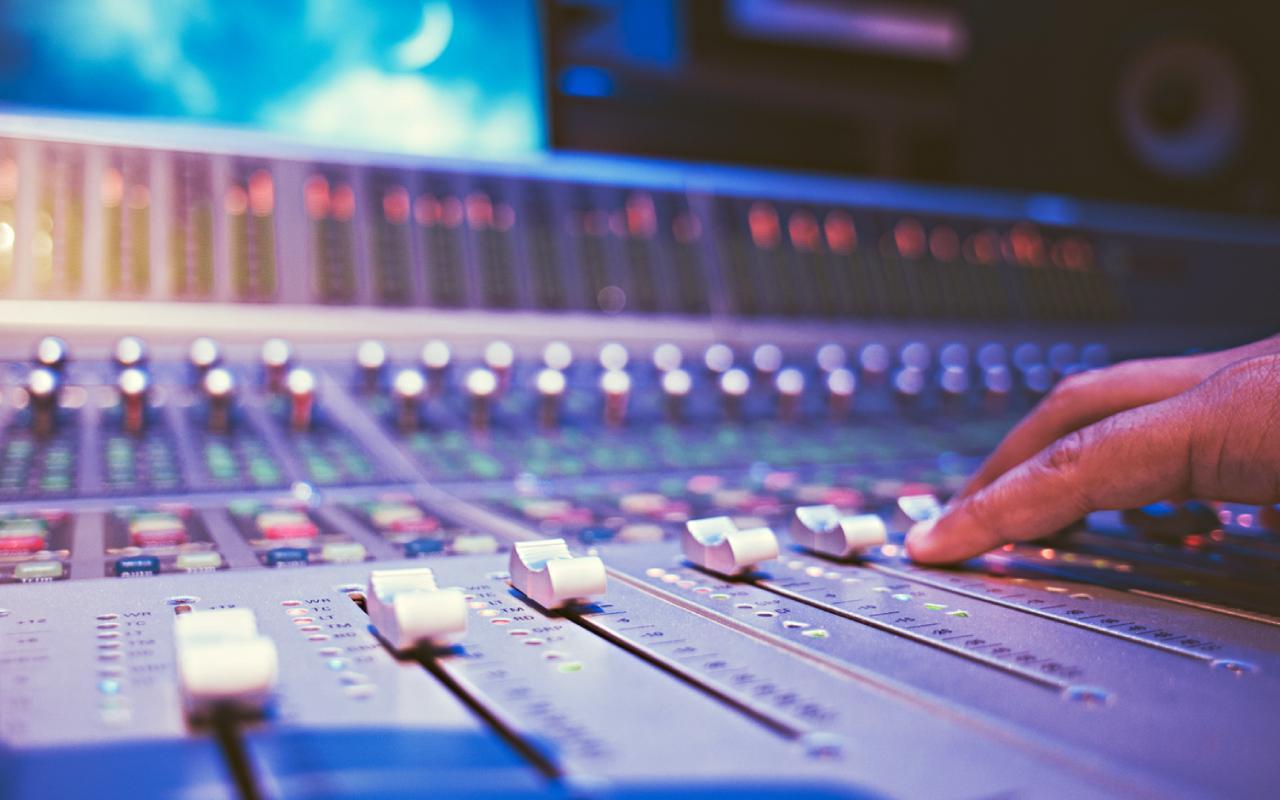 Best Music Production DAWs (Digital Audio Workstation)