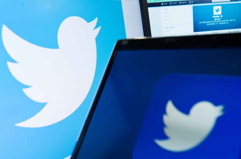 Hacking of high-profile Twitter users prompts FBI investigation